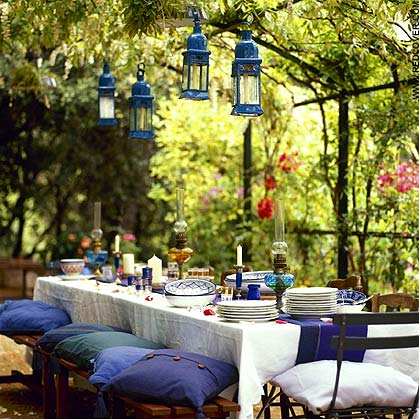 Al Fresco Dining (via telegraph.co.uk)[1]