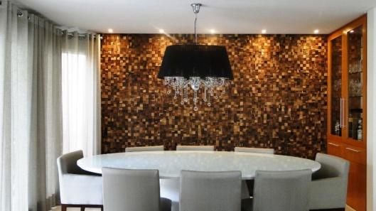 passo-a-passo---instalacao-de-painel-de-madeira-imagem-cedida-ao-uol-mulher---casa-e-decoracao-usar-somente-no-respectivo-material-1358534485178_956x537