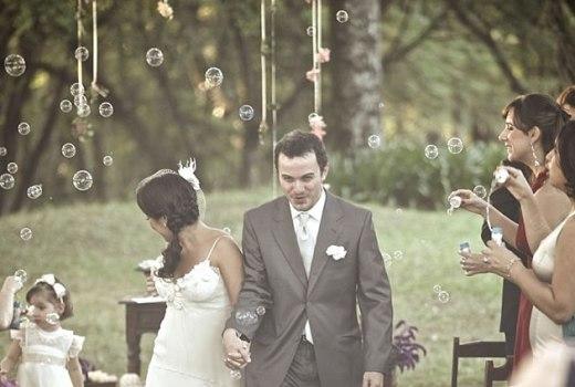 367826-Ideias-divertidas-para-a-saída-dos-noivos-da-igreja